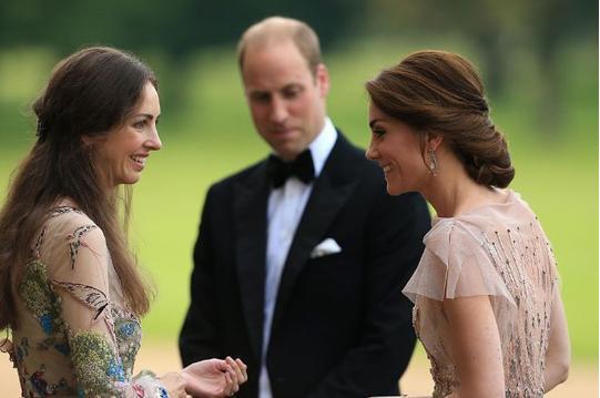 恋爱长跑多年,英国王子威廉被曝出偷腥王妃闺蜜